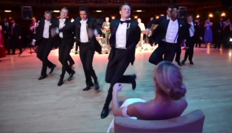 Image that leads to the video of Grooms Epic Wedding Dance that Goes Viral